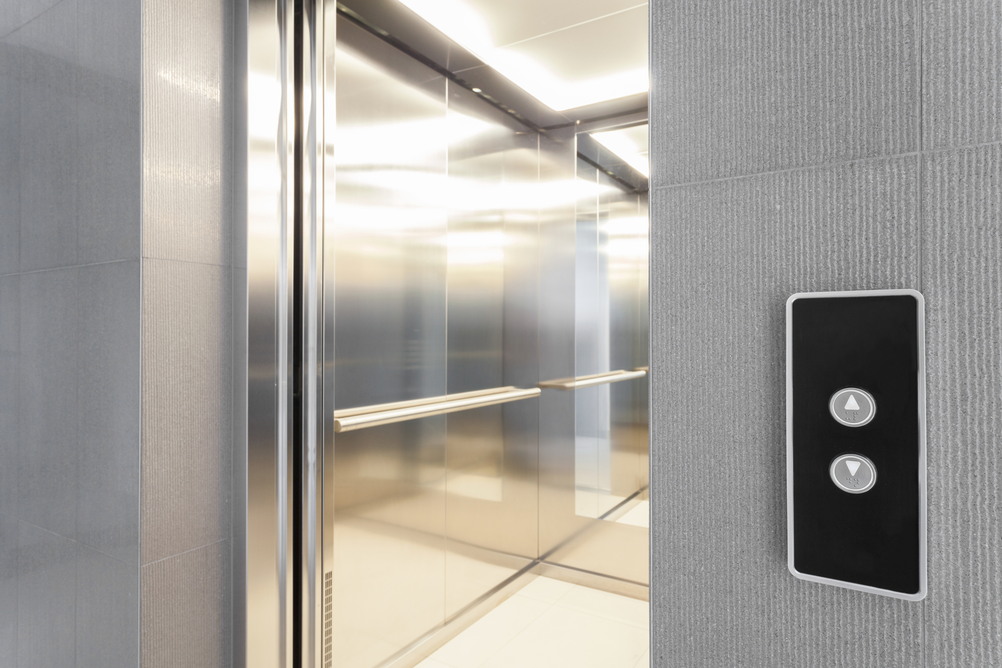 How to Decide When to Modernize Elevator